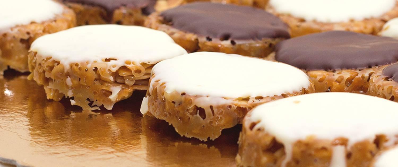 Pastas artesanas de almendra y chocolate