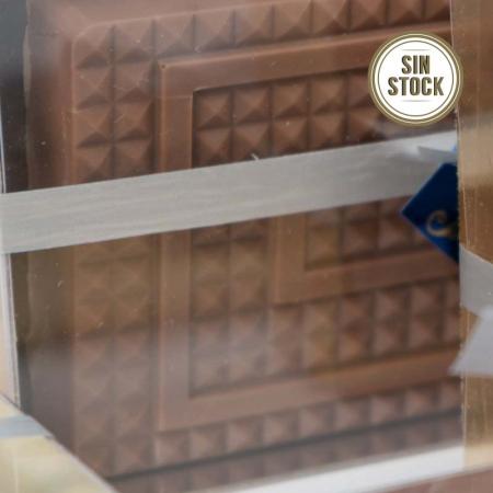 Detalle de turrón praliné de chocolate con leche artesanal para comprar online sin stock