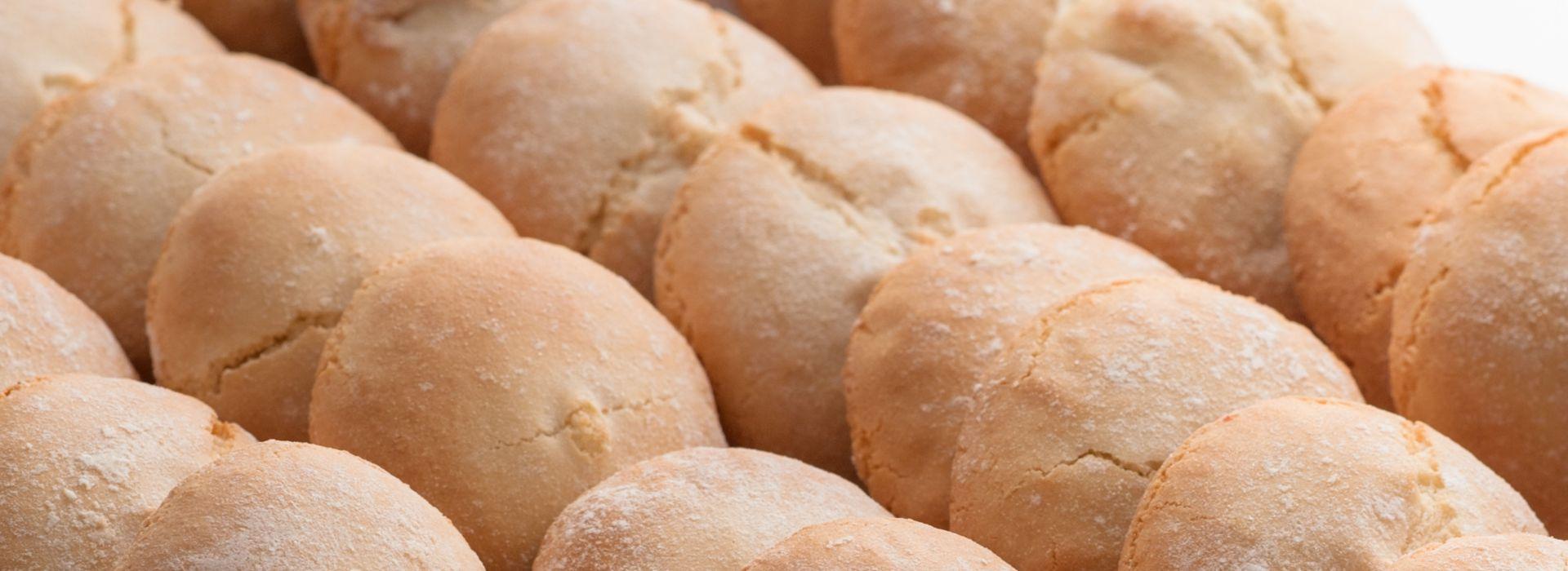 Amarguillos, pastas de almendra típicas de Tordesillas