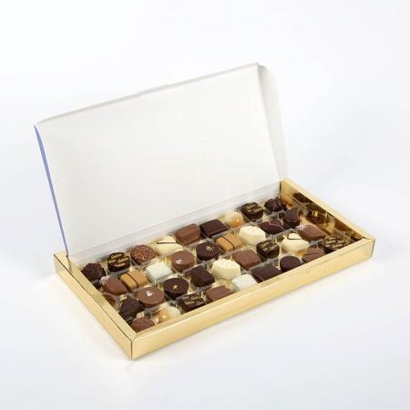 Caja de bombones artesanos de chocolate, pralinés y ganaches para comprar online